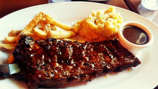 RUB Ribs & BBQ: Super Duo Ribs with Roasted Garlic Mashed Potato and Potato Fries
