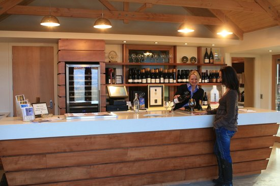 Bannockburn, New Zealand: Our wine tasting charge is a gold coin (one or two dollars)