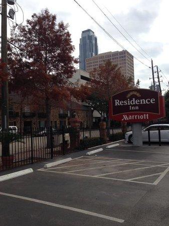Residence Inn Houston by The Galleria : Tucked in bewteen various buildings