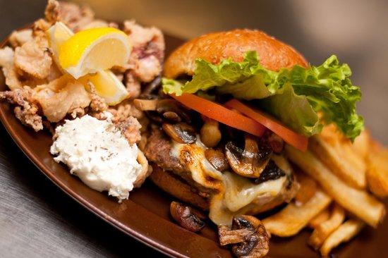 Main Street Diner: World Famous 'Main Street Surf n Turf' Calamari & Burger