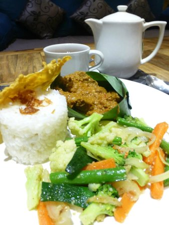 Sri Ratih Cottages : Great Dinner - highly recommend this dish!!!