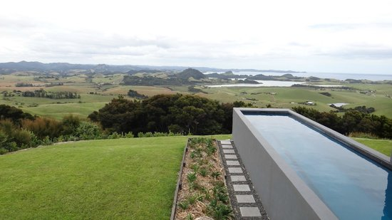 Ara Roa Accommodation - Whangarei Heads : Aria pool and view