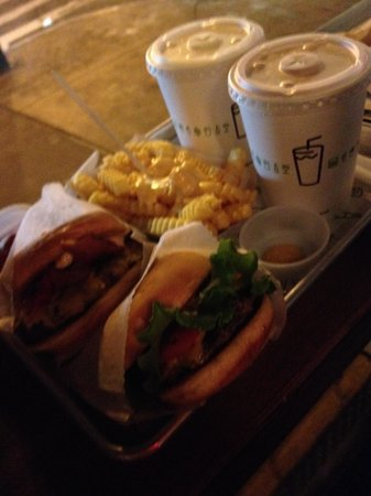 Shake Shack Theater District: 食べきりサイズ