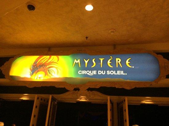 Mystere by Cirque Du Soleil: Entrance