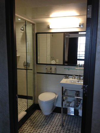 Walker Hotel Greenwich Village : bathroom