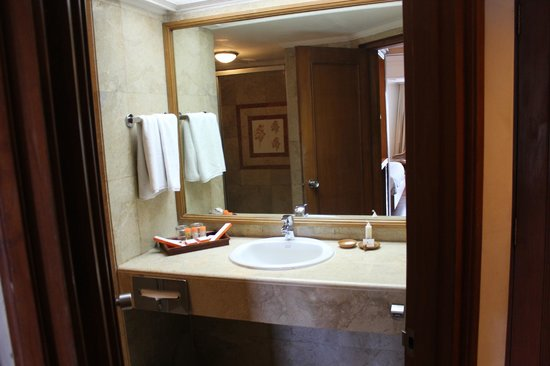 Prama Sanur Beach Bali : Bathroom