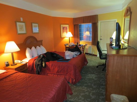 Quality Inn & Suites Beachfront : Our Room