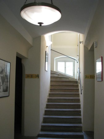 Appia Hotel Residences Prague : Take the stairs, not the elevator!