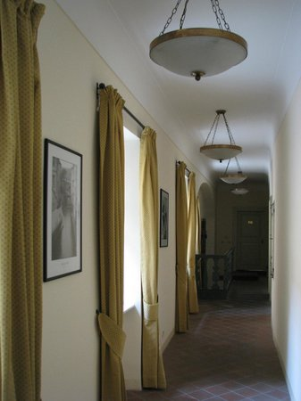 Appia Hotel Residences Prague : Corridors have automatic lights