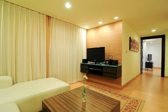 Aspen Suites Sukhumvit 2 by Compass Hospitality: Aspen Two Bedroom Suite : Space & living area