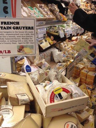 Zabar's : チーズの山