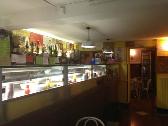 Osteria al Bomba : Front counter and ciccheti bar