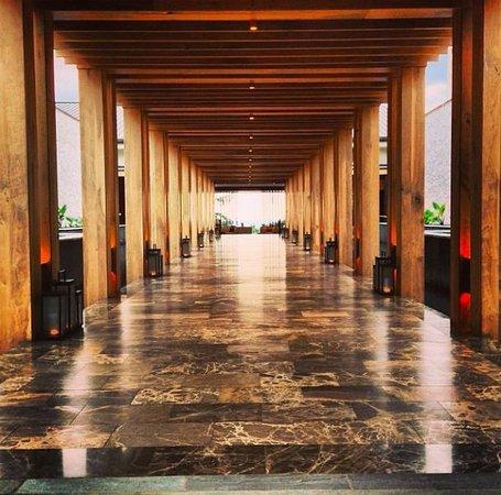 Andaz Maui At Wailea Resort: Stunning entrance