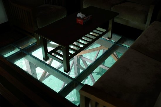 Mabul Water Bungalows : coffee table