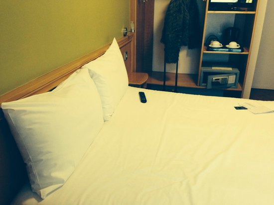 Dublin Central Inn: Room 302 - comfy bed