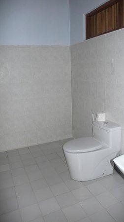 Princess Garden Hotel : bathroom