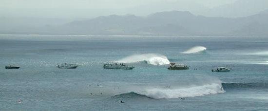 Newbro Surfing: Nusa Lembongan Breaks