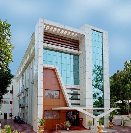 Madathil Regency Hotel