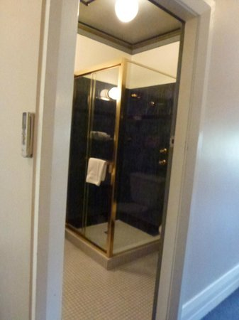 The Russell Hotel: this anothers bath toilet room from one of the room hotels