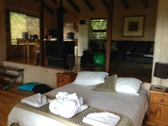 Treetops Seaview : The totally gorgeous cottage with everything you will need for a wonderful get a way...
