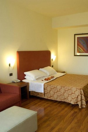 Cristallo Hotel Assisi: camera matrimoniale