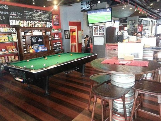 Red Planet Makati, Manila: Team Insider Sports Bar