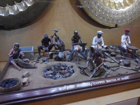 Bhau Daji Lad Museum: Miniature Models