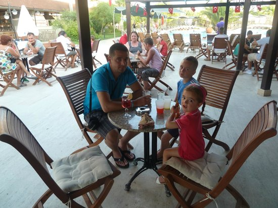 Cactus Club Yali Hotels & Resort : bar