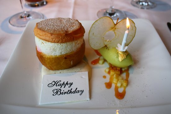 Great Milton, UK: Apple Soufflé