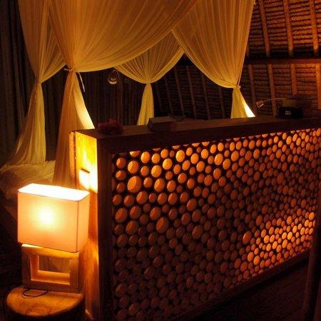 Karma Reef: Bedroom at night