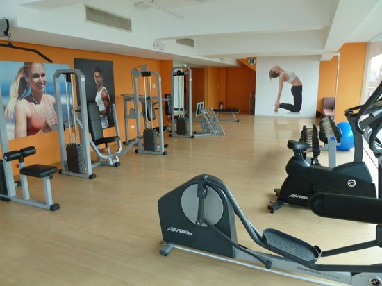 Luxent Hotel: Gym