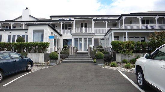 Hilton Lake Taupo: Hotel Exterior