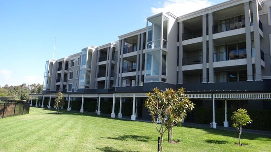 Hilton Lake Taupo: Exterior