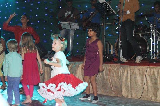 The Gateway Hotel Janardhanapuram Varkala: dance baby dance