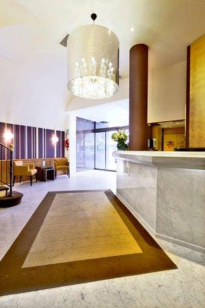 Hotel Paris Neuilly : Lobby - Hôtel Paris Neuilly - 199 avenue Charles de Gaulle - 92200 Neuilly sur Seine - métro lig