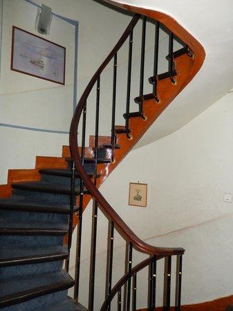 Sibour Hotel: лестница внутри