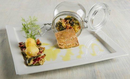 La Buca di Ipo: Filetto di Salmone con verdure in cottura sottovuoto