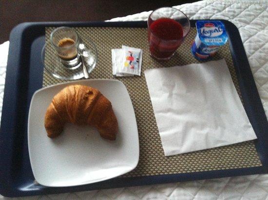 Bruman Hotel: Colazione in camera