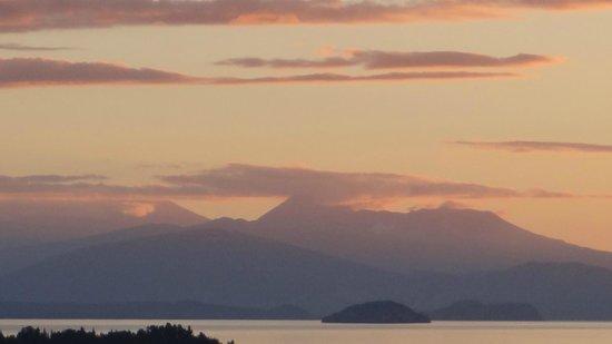 Hilton Lake Taupo: Apartment 531 - sunset view