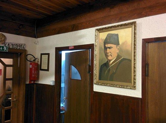 Kozina, Slovenia: Nostalgia al bar