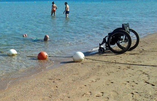 Steigenberger Al Dau Beach Hotel: Zwemmen met een dwarslaesie