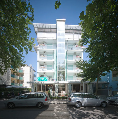 Hotel derby bewertungen fotos riccione italien for Derby hotels