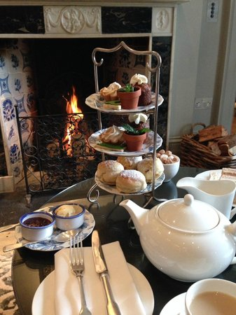 Lime Wood Hotel: Lovely afternoon tea