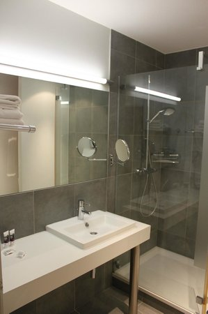 Hotel Mercure Vittel : Bathroom