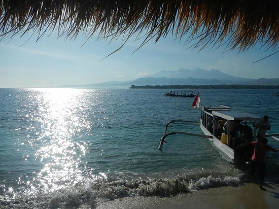 Manta Dive Gili Air Resort: Breakfast with a view