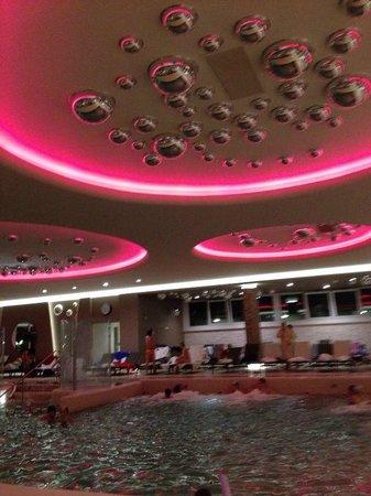 Terme Venezia Hotel : Luci della piscina interna