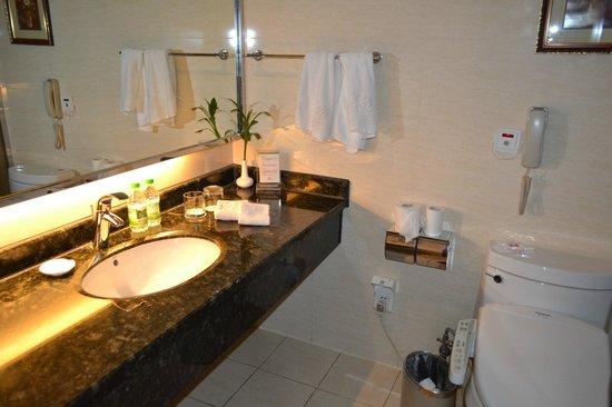 Sweetland Hotel : Ванная комната