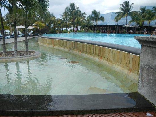 Victoria Beachcomber Resort & Spa : piscine 2
