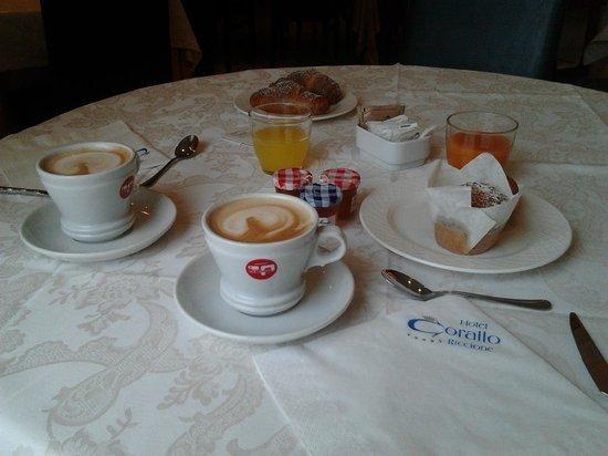 sala da pranzo..dettaglio lampadari - Foto di Hotel Corallo ...