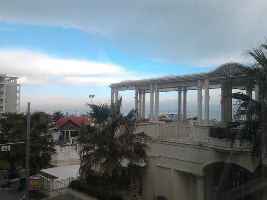 Hotel Corallo: ..vista dal ponte dell'hotel..